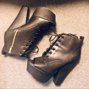 Steve Madden Peep Toe Platform Lace Up Boot Sz 8.5